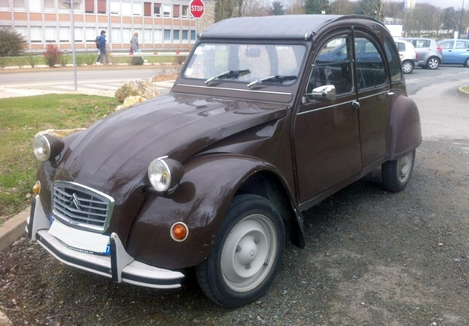 location citro n 2cv 1979 marron 1979 marron poitiers. Black Bedroom Furniture Sets. Home Design Ideas