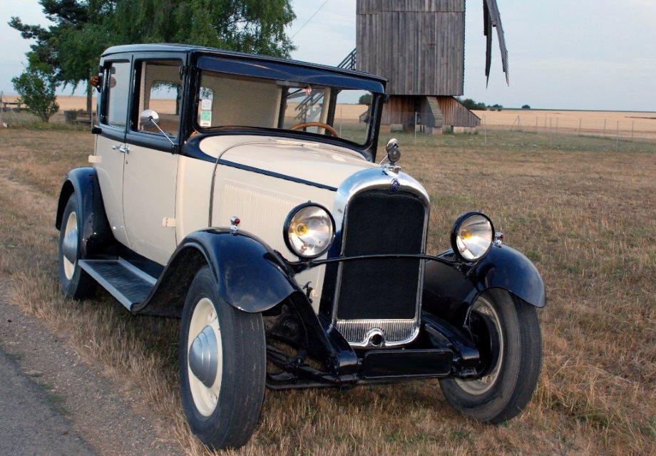 location citro n ac4f 1930 beige et noire 1930 beige et noire blois. Black Bedroom Furniture Sets. Home Design Ideas