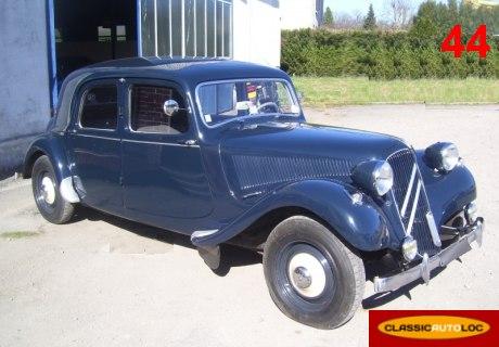 Location citro n traction 11 1955 bleu 1955 bleu pornic for Garage auto pornic