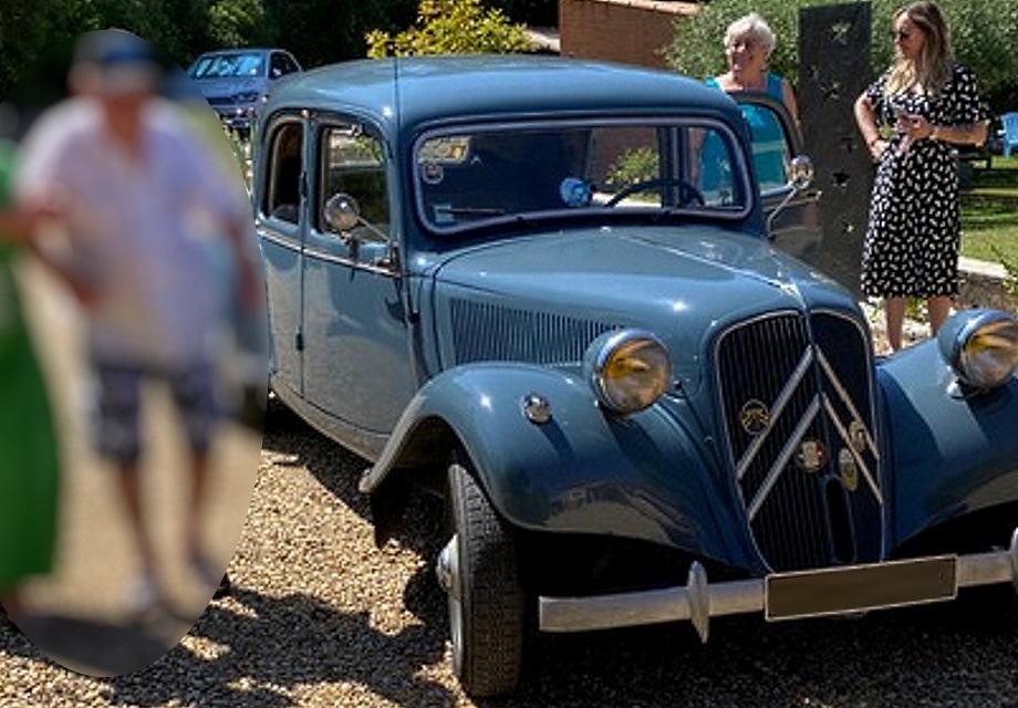 Location citro n traction 11b 1954 gris bleu 1954 gris for Garage citroen la seyne sur mer