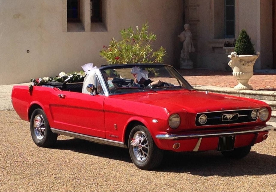 location ford mustang 1966 rouge 1966 rouge eyguieres. Black Bedroom Furniture Sets. Home Design Ideas
