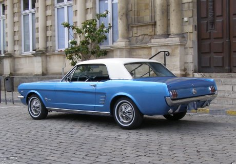 location ford mustang 1966 1966 reims. Black Bedroom Furniture Sets. Home Design Ideas