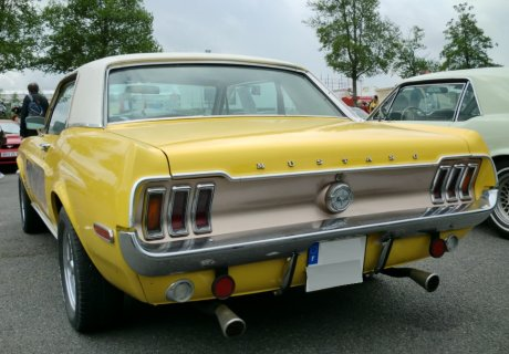 location ford mustang 1968 jaune 1968 jaune beziers. Black Bedroom Furniture Sets. Home Design Ideas