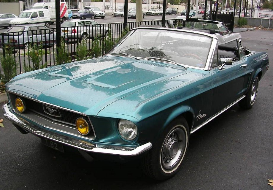 Location Ford Mustang 1968 Turquoise