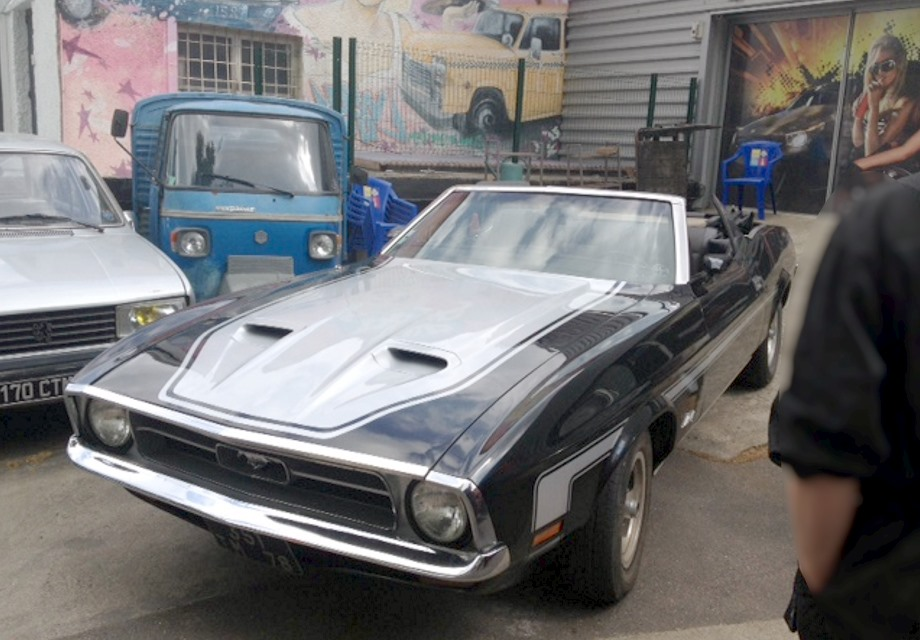 Location Ford Mustang 1972 Noir et Gris