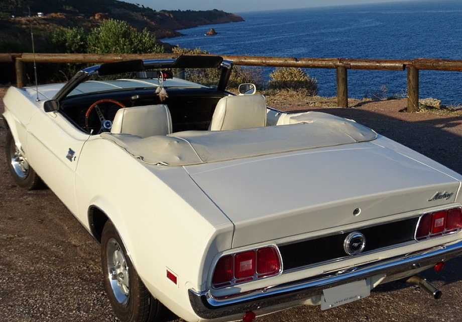 location ford mustang 1973 ivoire 1973 ivoire antibes. Black Bedroom Furniture Sets. Home Design Ideas