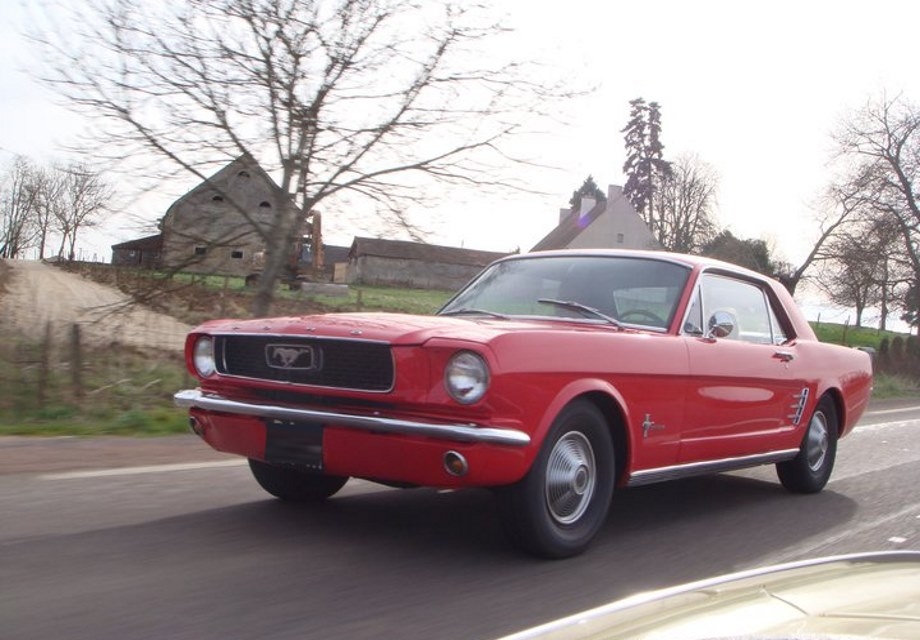 location ford mustang coup 1966 rouge 1966 rouge beaune. Black Bedroom Furniture Sets. Home Design Ideas