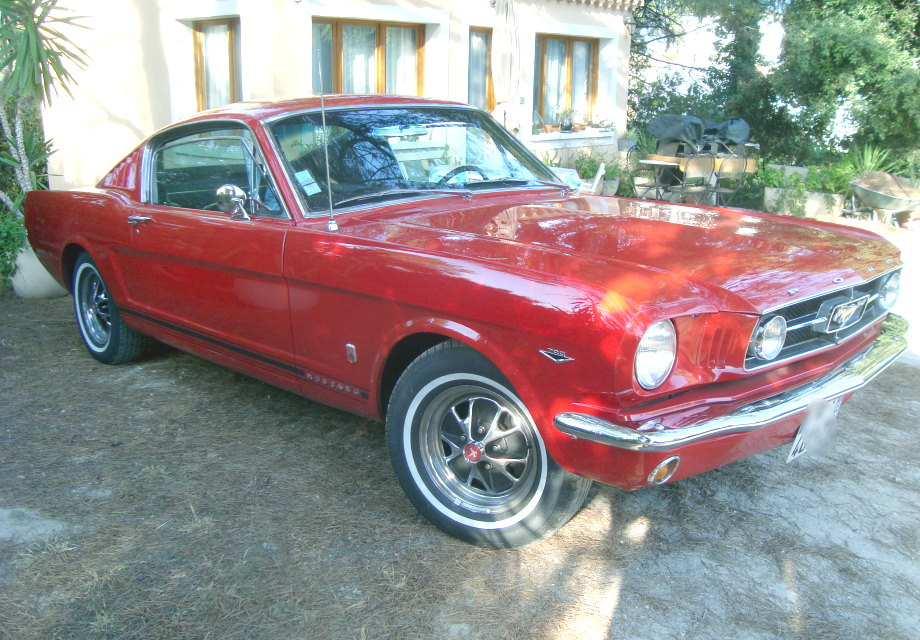 location ford mustang fastback 1965 rouge 1965 rouge marseille. Black Bedroom Furniture Sets. Home Design Ideas