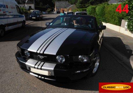location ford mustang gt 2007 cabriolet 2007 noir vigneux de bretagne. Black Bedroom Furniture Sets. Home Design Ideas