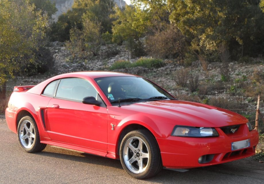 location ford mustang svt cobra 2001 rouge 2001 rouge sorgues. Black Bedroom Furniture Sets. Home Design Ideas