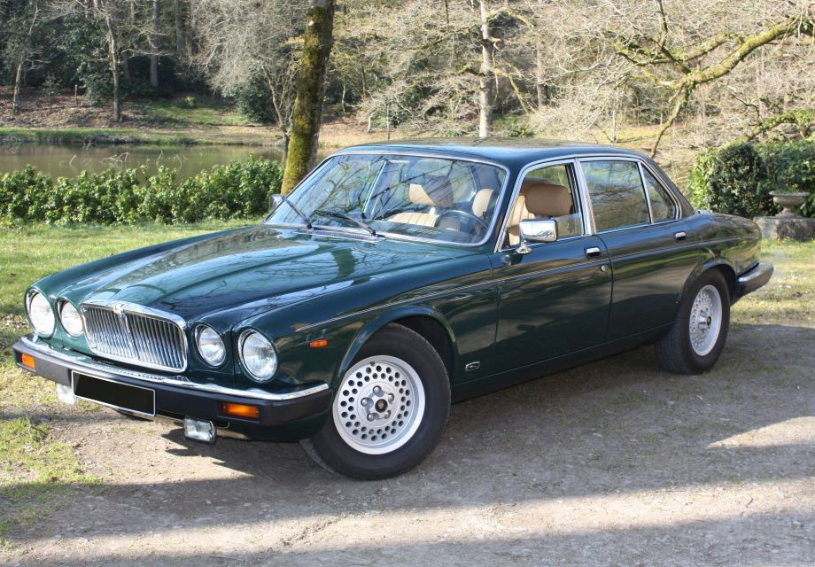 location jaguar xj12 s3 1987 vert anglais 1987 vert anglais cesson sevigne. Black Bedroom Furniture Sets. Home Design Ideas