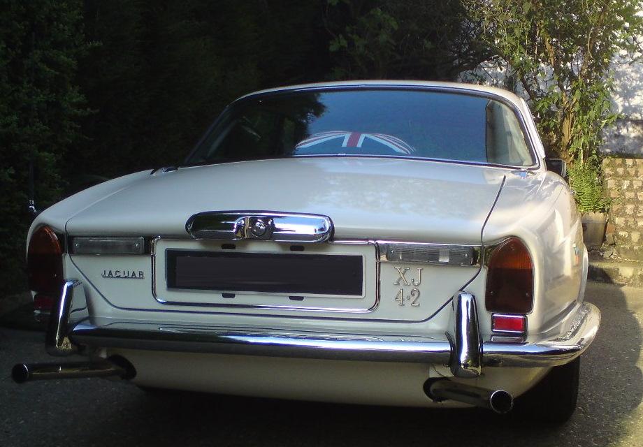Location Jaguar XJ6 1978 Blanche 1978 Blanche Rouen