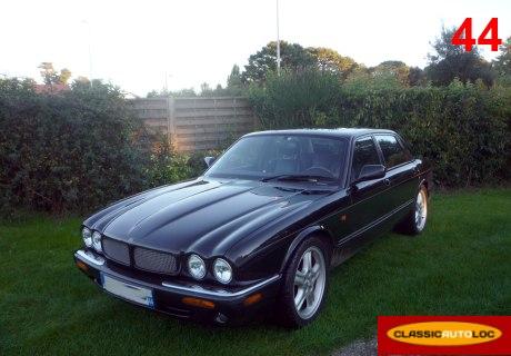 Location jaguar xjr v8 2000 noir 2000 noir pornic for Garage auto pornic