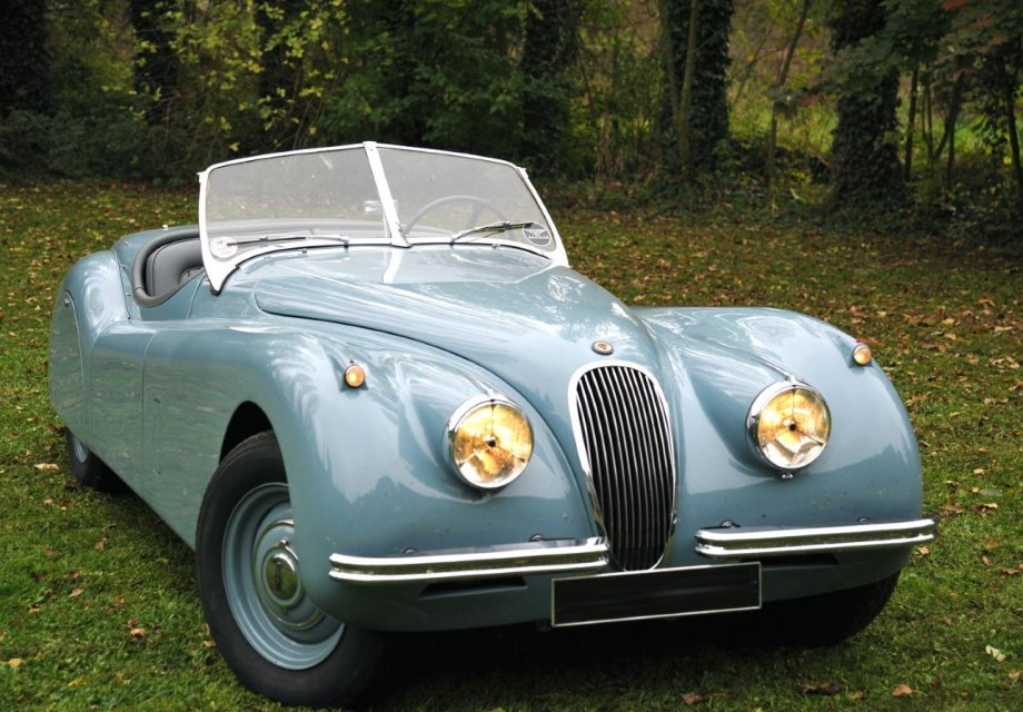location jaguar xk120 roadster 1954 bleu ciel 1954 bleu ciel ste genevieve des bois. Black Bedroom Furniture Sets. Home Design Ideas