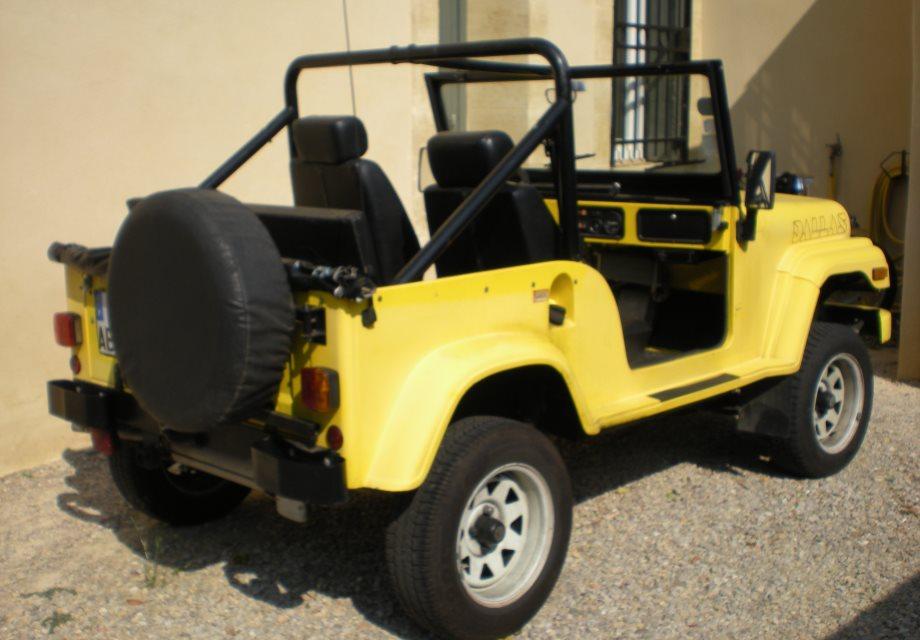 location dallas jeep 1988 jaune 1988 jaune soubrigues. Black Bedroom Furniture Sets. Home Design Ideas