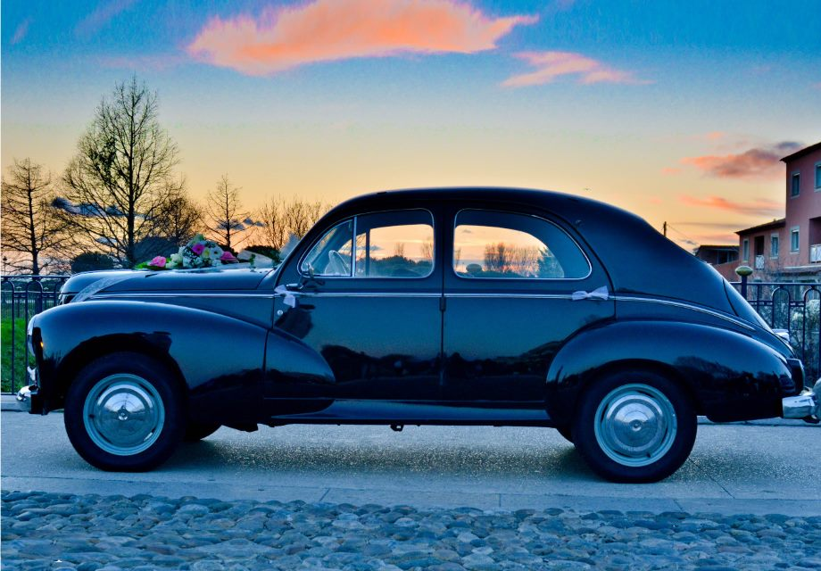 Location peugeot 203 1958 noire 1958 noire martigues for Garage peugeot martigues