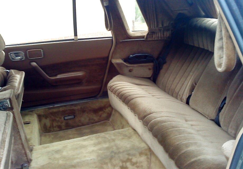 location peugeot 604 limousine heuliez 1982 1982 gris abbeville. Black Bedroom Furniture Sets. Home Design Ideas