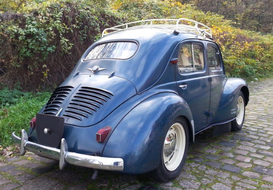 location renault 4 cv 1951 bleu 1951 bleu romainville