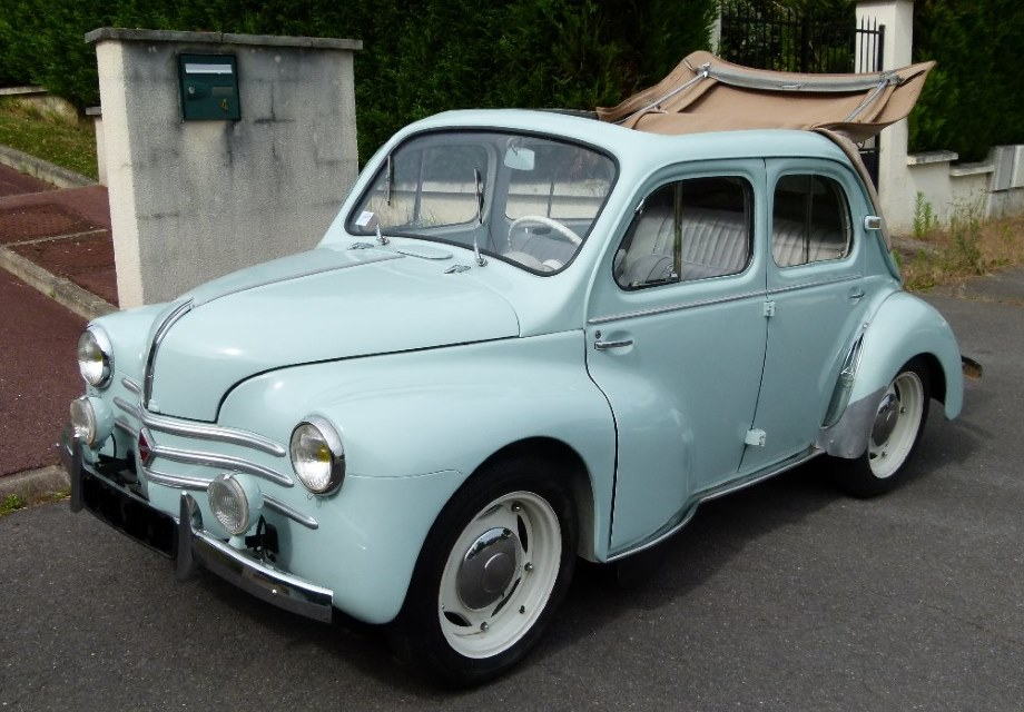 location renault 4cv 1957 vert d 39 eau 1957 vert d 39 eau viroflay. Black Bedroom Furniture Sets. Home Design Ideas
