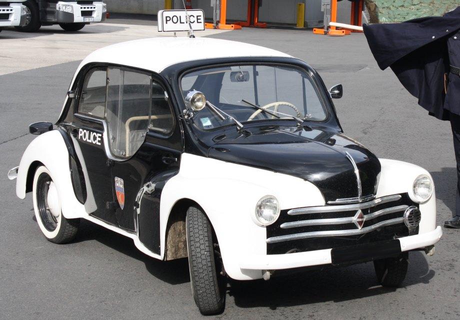 location renault 4cv pie 1955 noir  blanc 1955 noir  blanc