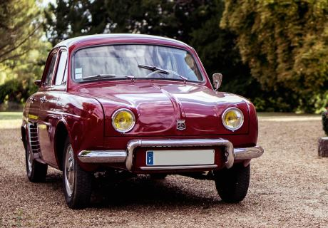 location renault dauphine 1960 bordeaux 1960 bordeaux angers. Black Bedroom Furniture Sets. Home Design Ideas