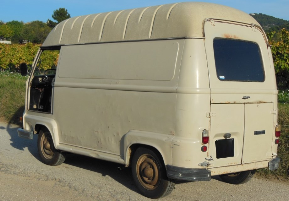 location renault estafette 1980 beige 1980 beige le castellet. Black Bedroom Furniture Sets. Home Design Ideas