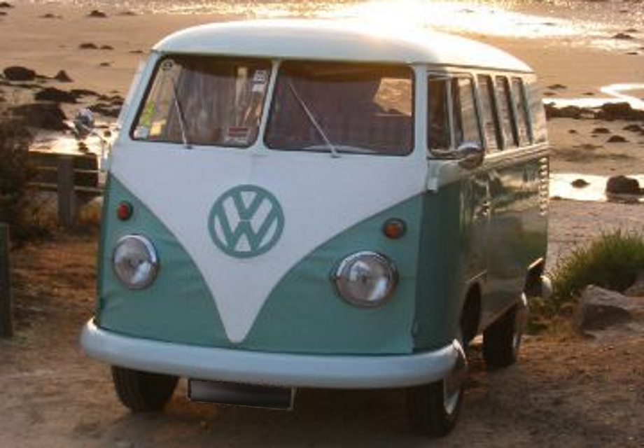 location volkswagen combi 1962 vert et blanc 1962 vert et blancs milly la foret. Black Bedroom Furniture Sets. Home Design Ideas