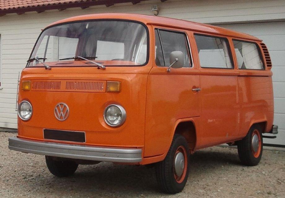 Location volkswagen combi 1973 orange 1973 orange beaufou for Garage rose volkswagen fontainebleau samoreau