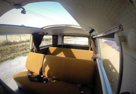 location volkswagen combi t2 1978 beige et marron 1978. Black Bedroom Furniture Sets. Home Design Ideas