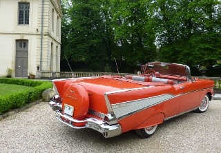 Location chevrolet bel air 1957 rouge 1957 rouge drancy for Garage auto drancy