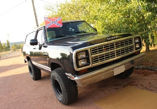Dodge ramcharger 1979 noir