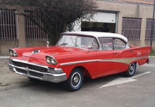 Ford fairlane 1958 rouge