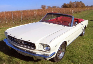 Ford MUSTANG 1965 blanc d'ivoire
