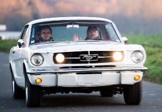 Location Ford Mustang 1965 Blanc