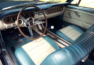 Location Ford Mustang 1965 Blue Caspian Metallic