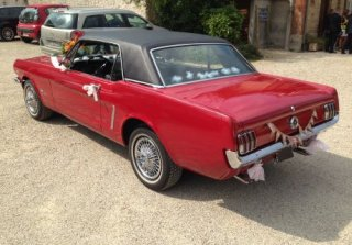 Location Ford Mustang 1965 Rouge et noir