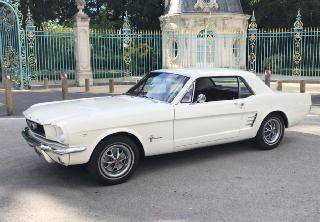 Location Ford Mustang 1966 blanc