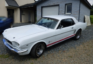 Ford Mustang 1966 blanche
