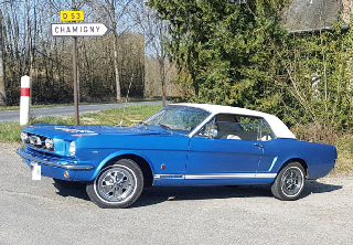 Location Ford Mustang 1966 bleue