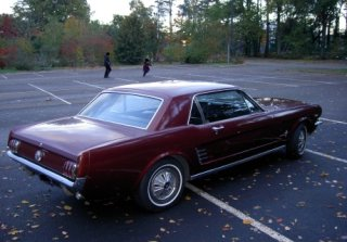 Location FORD MUSTANG 1966 BORDEAUX