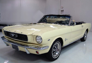 Ford Mustang 1966 jaune clair