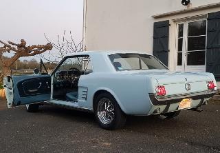 Location Ford Mustang  1966 Light blue