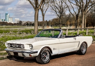 Ford Mustang 1967 Blanche