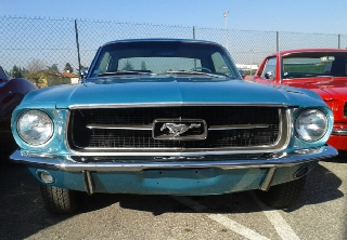Location Ford Mustang 1967 bleue