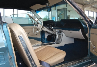 Location Ford Mustang 1967 bleu turquoise