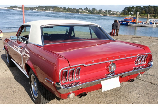 Location Ford Mustang 1968 Candyapple Red