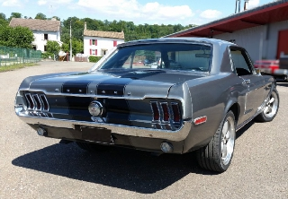 Location Ford Mustang 1968 Gris