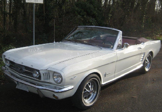 Location Ford MUSTANG CONVERTIBLE 1966 BLANC
