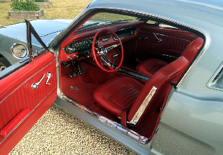 Location Ford mustang fastback 1964 grise