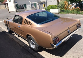 Location Ford Mustang fastback 1965 Or